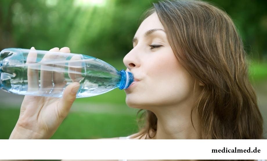 Миф 4: целлюлит возникает вследствие чрезмерного употребления жидкости