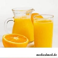 Апельсиновый сок хранят в стеклянной посуде