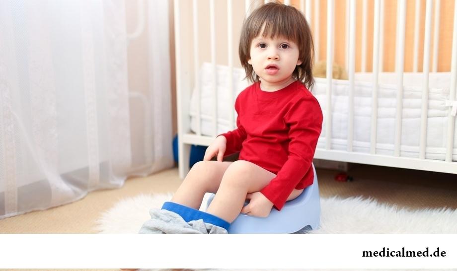 Детский энурез: что это такое и почему возникает?