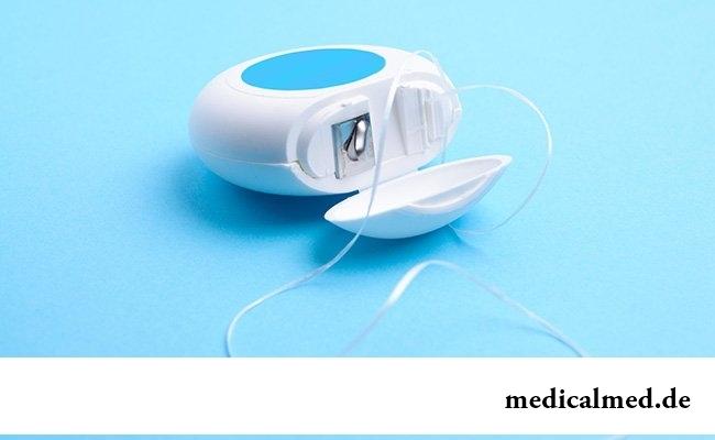 Зубная нить и ополаскиватель