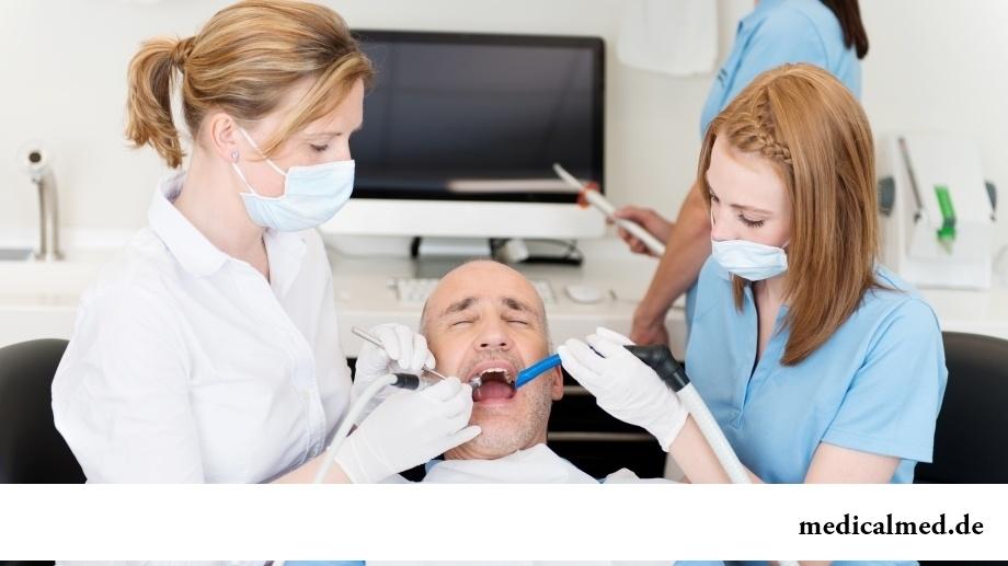 Как предотвратить образование налета на зубах?