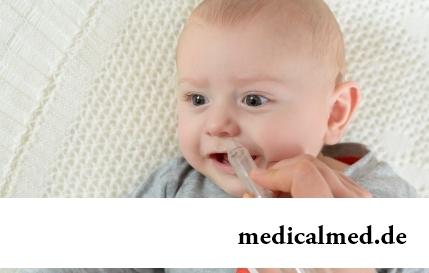 Почему малыш кусает грудь: 6 причин сложностей при кормлении