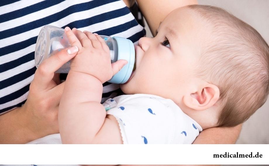 Искусственное вскармливание: возможные последствия для здоровья ребенка