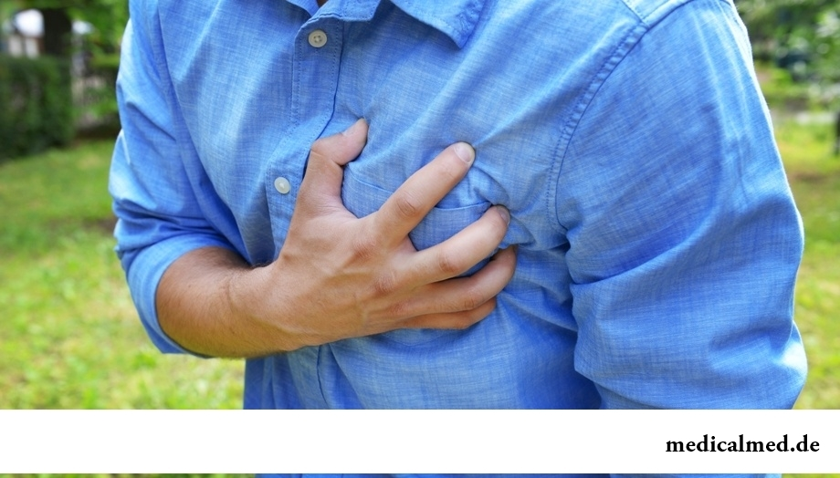Боли в грудной клетке: симптомы и причины