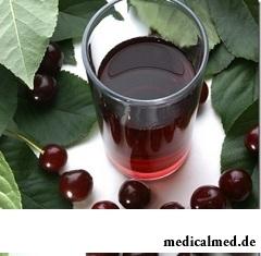 Вишневый сок - лидер среди других натуральных соков по количеству полезных свойств
